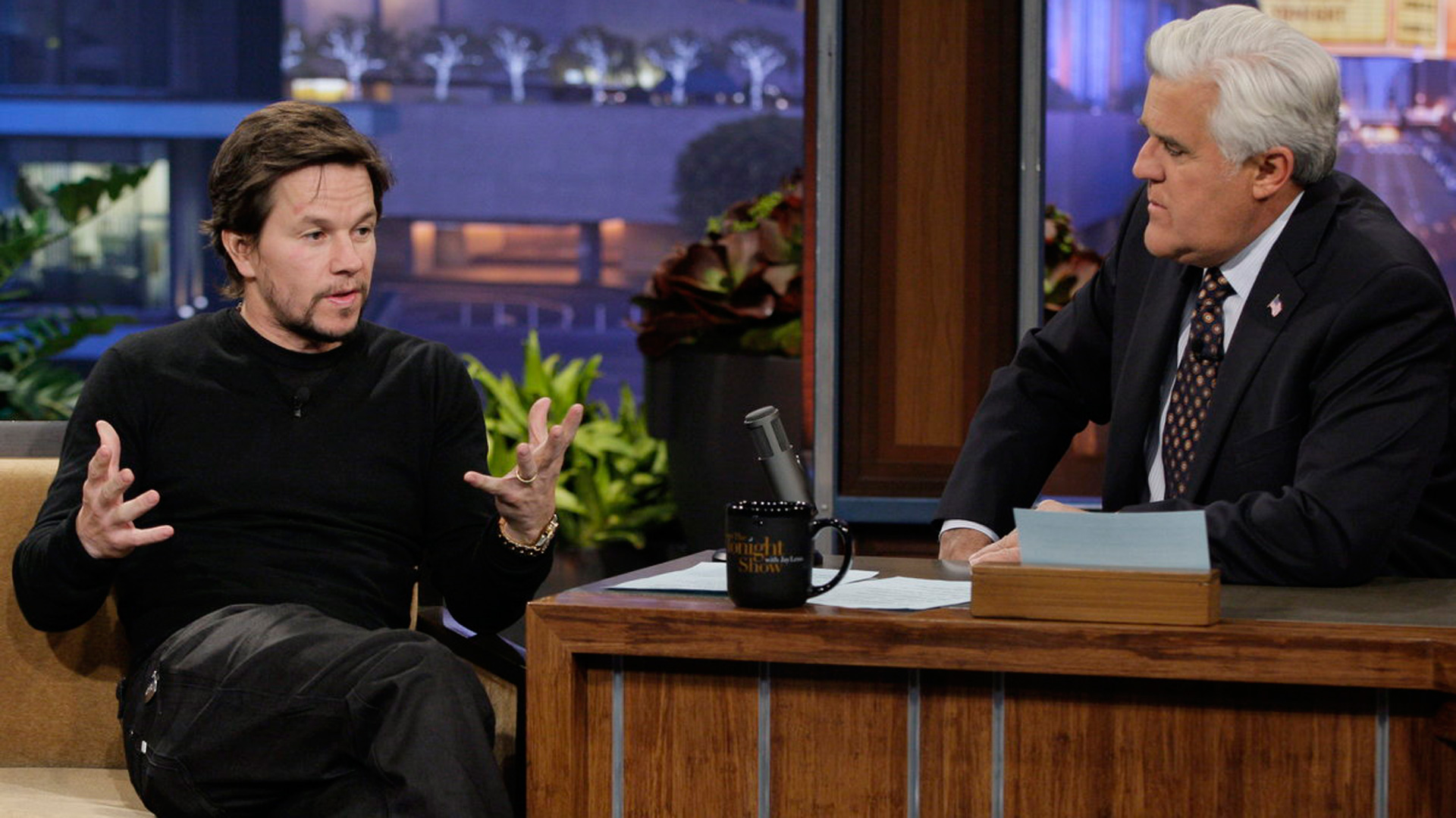 Mark Wahlberg, Kathryn Hahn, with musical guest Salaam Remi featuring Akon