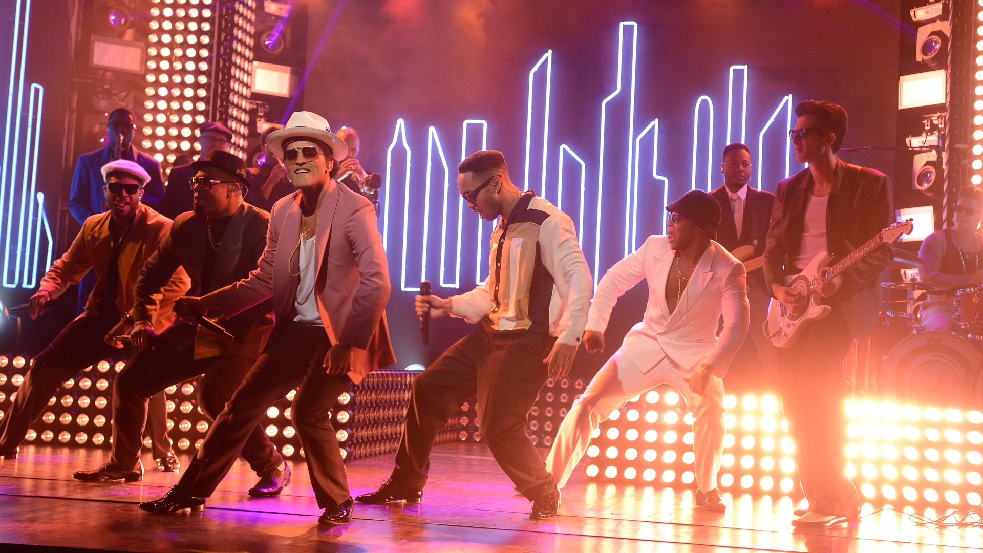 Watch Mark Ronson and Bruno Mars: Uptown Funk From ...