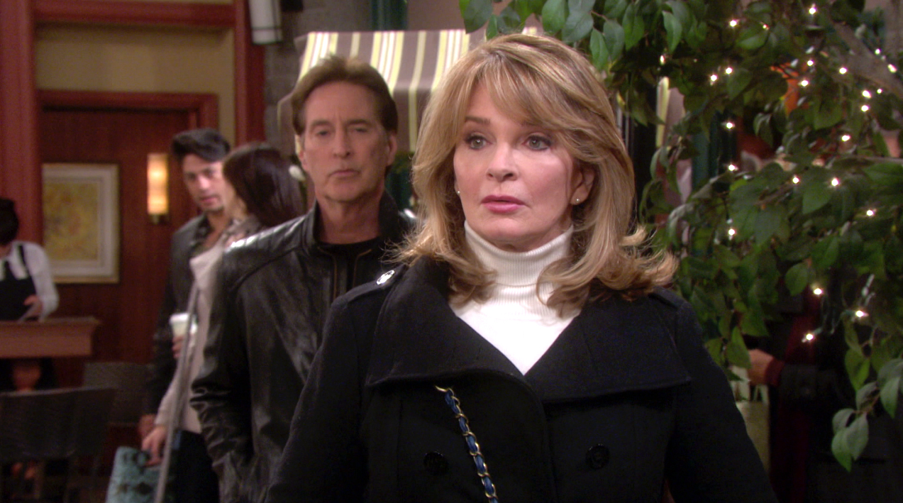 John and Marlena have a tense renunion.