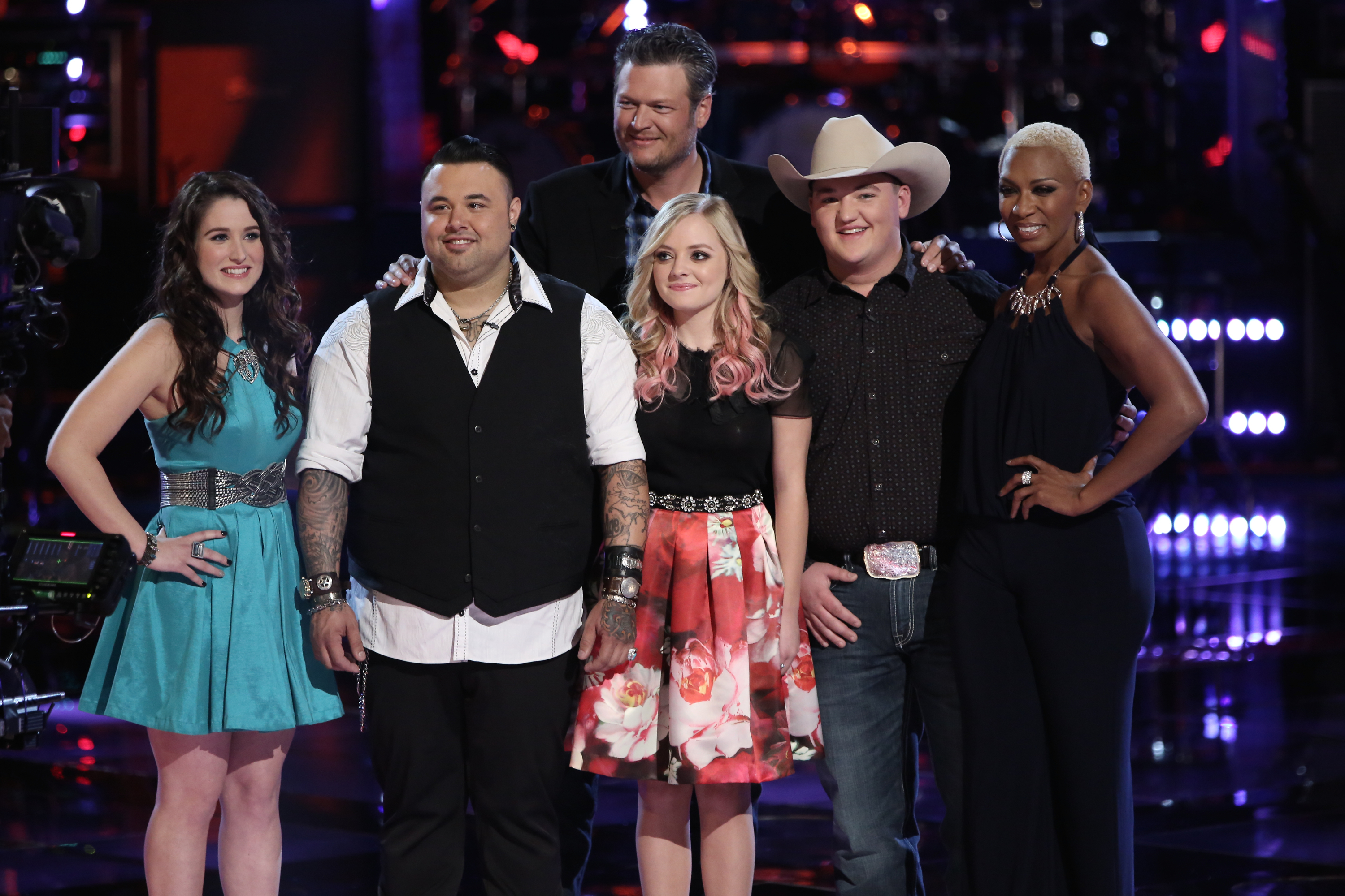 "THE VOICE -- ""Playoffs"" Episode 614 -- Pictured: (l-r) Audra McLaughlin, Ryan White Maloney, Blake Shelton, Madilyn Paige, Jake Worthington, Sisaundra Lewis  -- (Photo by: Tyler Golden/NBC)"