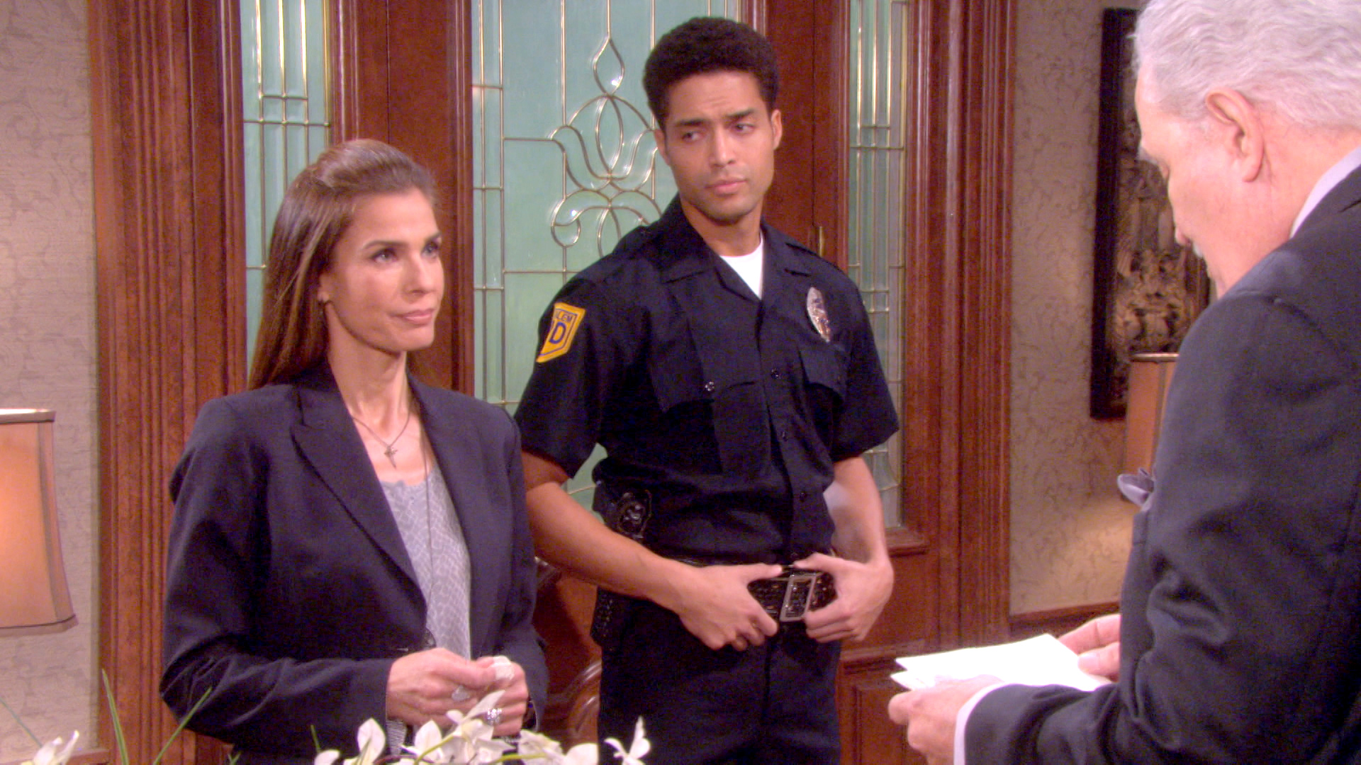 Hope arrives at the Kiriakis mansion with a search warrant.