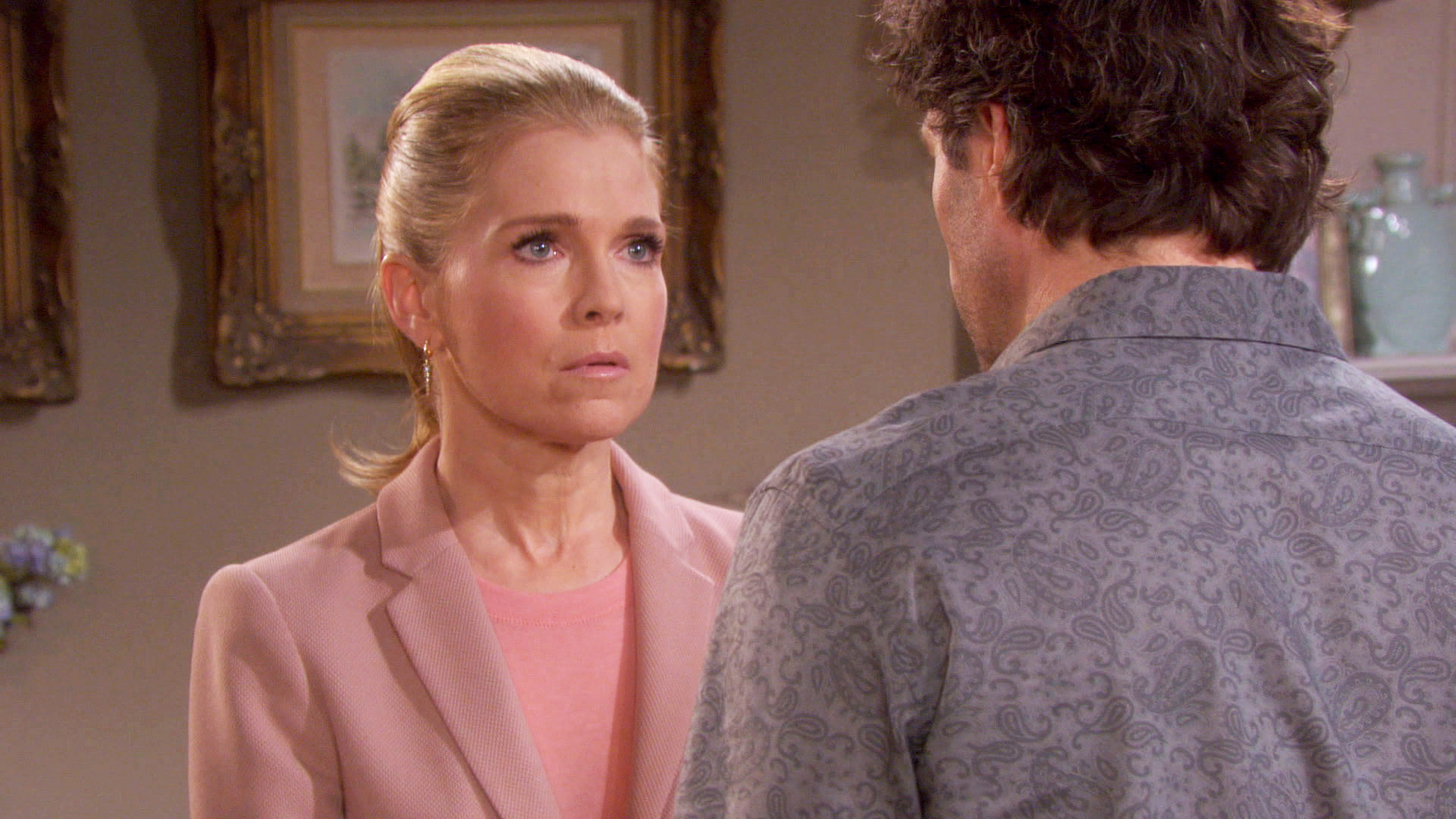 Jennifer makes an admission that deeply wounds Daniel.