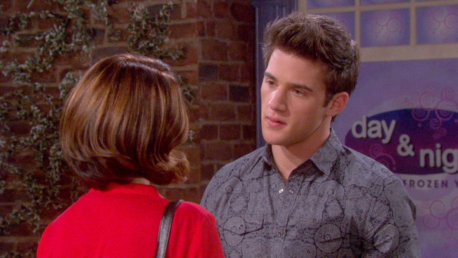 Theresa threatens to screw up JJ's relationship with Paige.