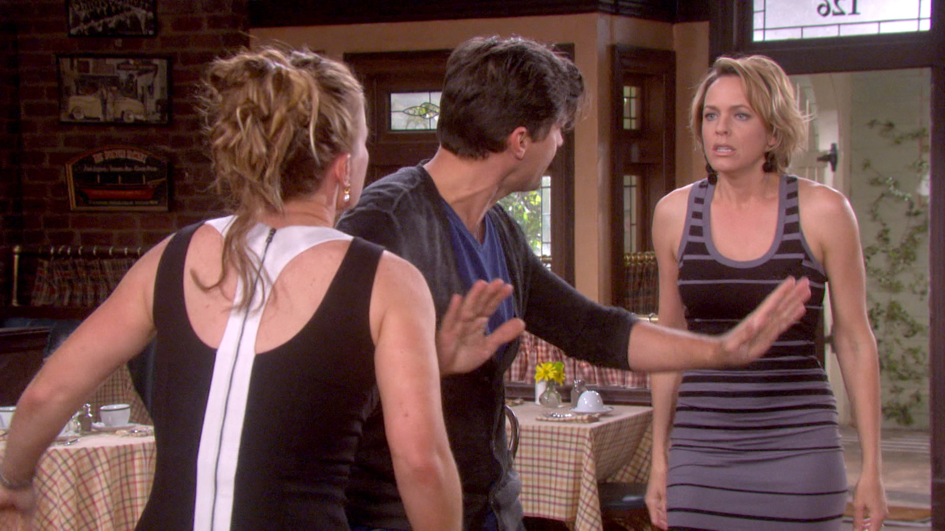 Nicole and Sami get into a huge catfight!