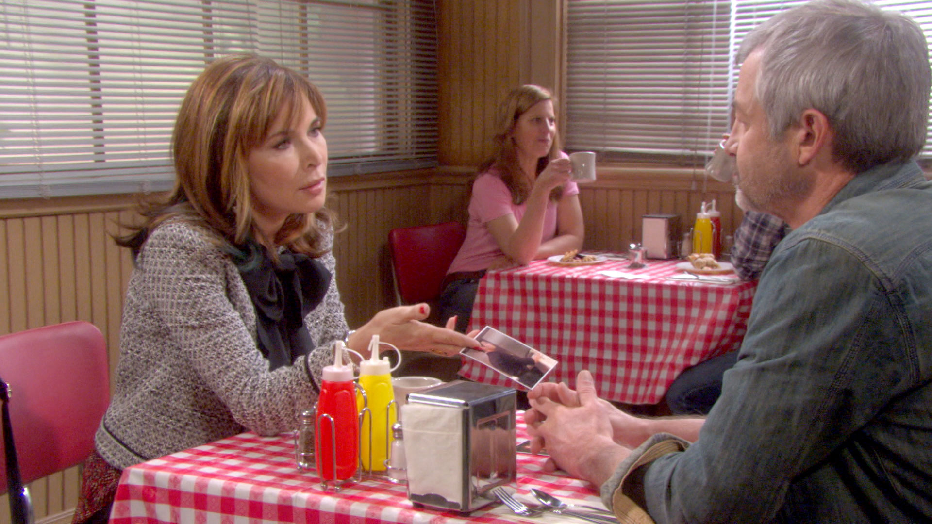 Kate is stunned when she learns Clyde's connection to Jordan.