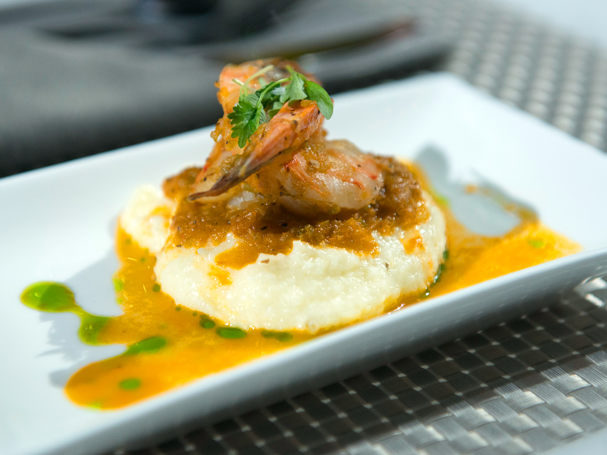 Shrimp and Cheese Grits with Tomato Sauce