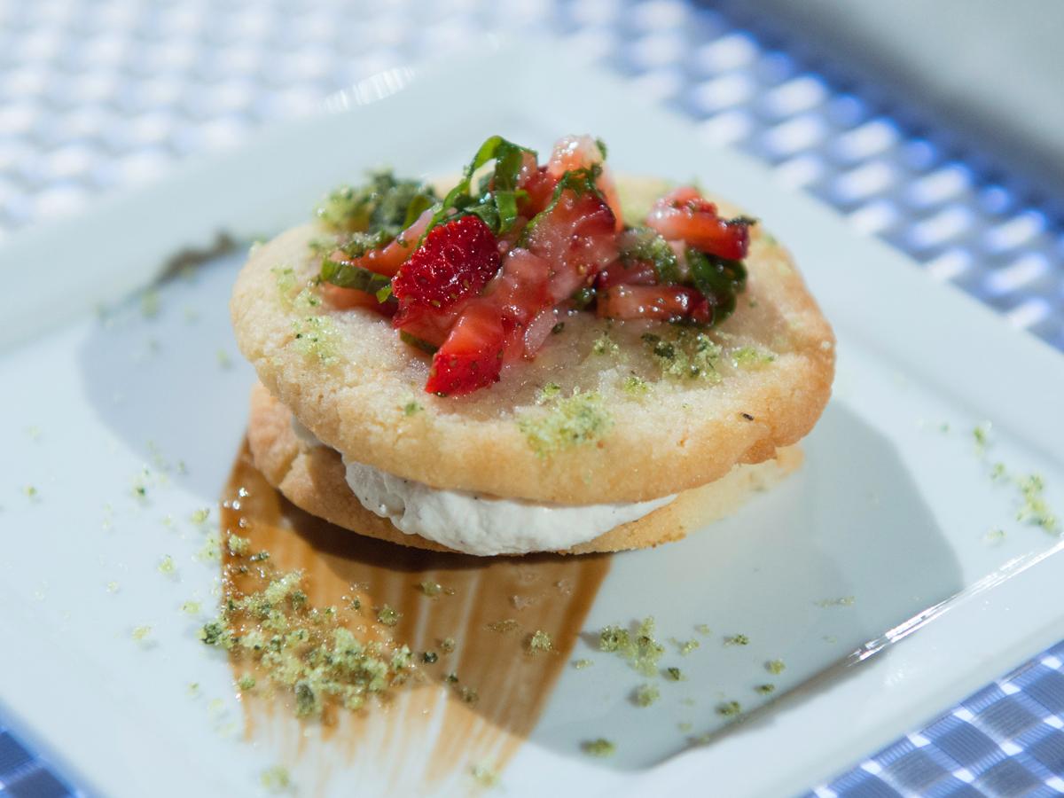 Almond Cookie Sandwich with Vanilla Cream