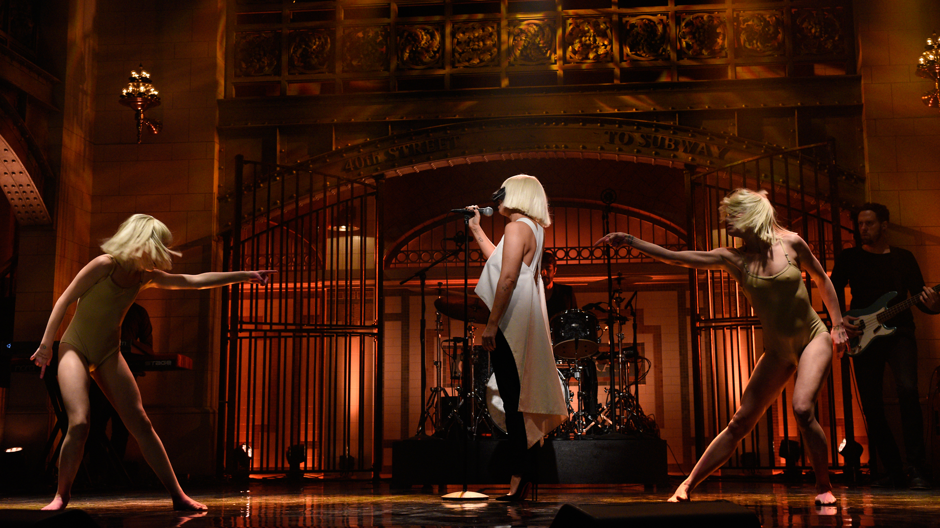 Sia Apologizes for Controversial 'Elastic Heart' Video ...