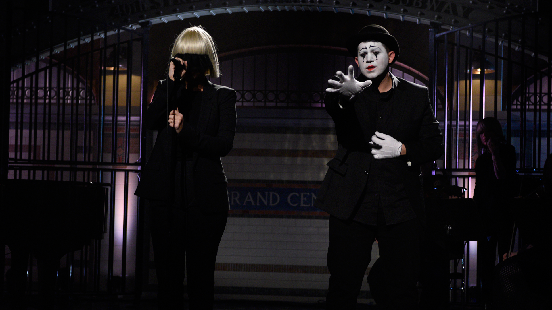 Watch sia chandelier from saturday night live nbc aloadofball Choice Image