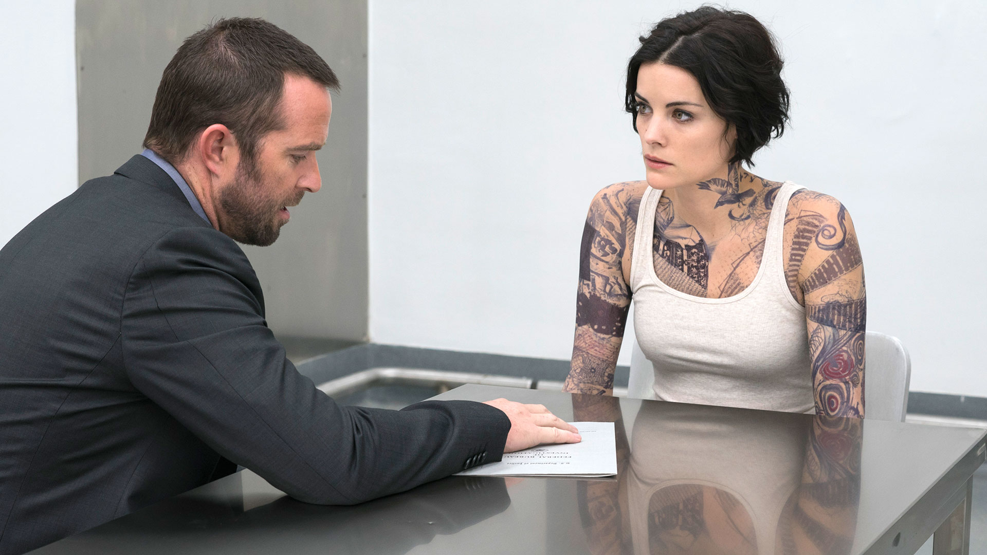 Blindspot season 2 confirmed at nbc for Tv show with tattooed woman