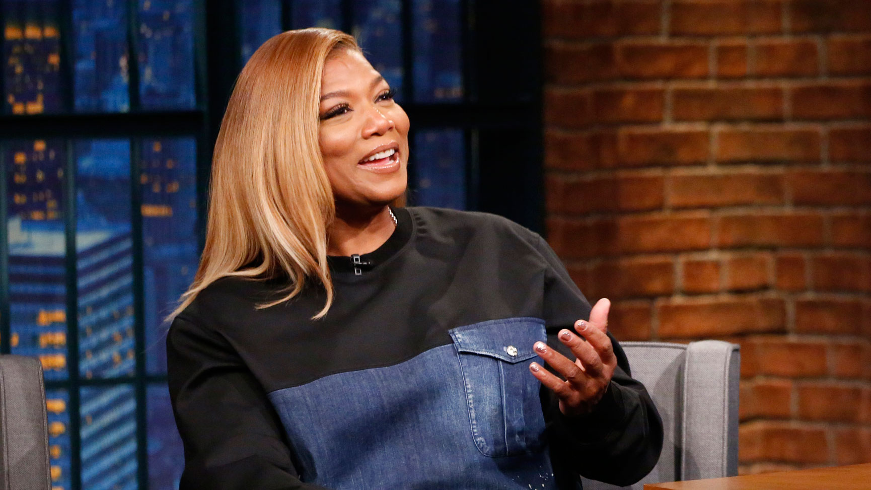 Queen Latifah Fakes Ideal watch late night with seth meyers interview: queen latifah put a