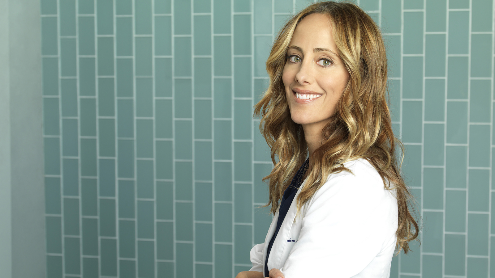 Watch Access Interview Kim Raver Is Returning To Greys Anatomy