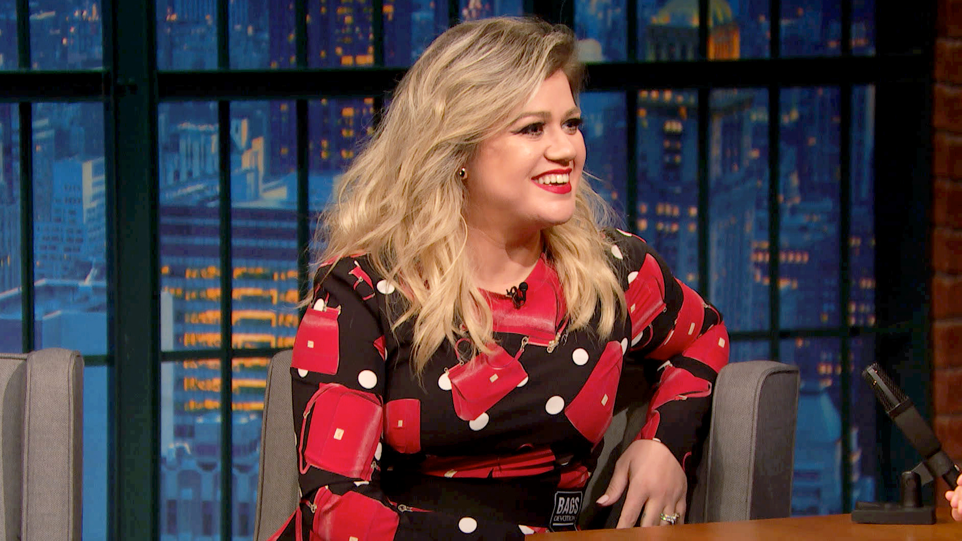 Watch Late Night with Seth Meyers Episode: Kelly Clarkson, Freddie ...