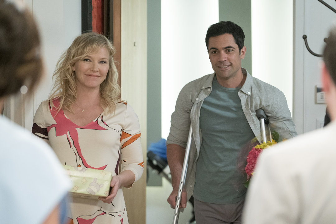 detective amaro and rollins dating