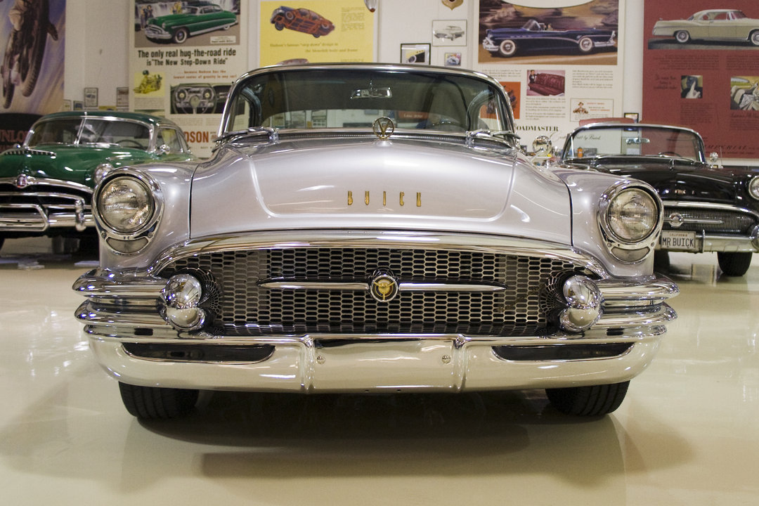 jay leno 39 s garage 1955 buick roadmaster photo 313971. Cars Review. Best American Auto & Cars Review