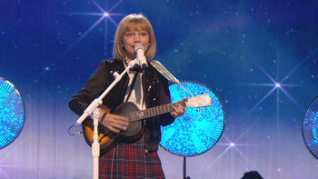 Grace Vanderwaal Warms Up the Stage With a Holiday Classic