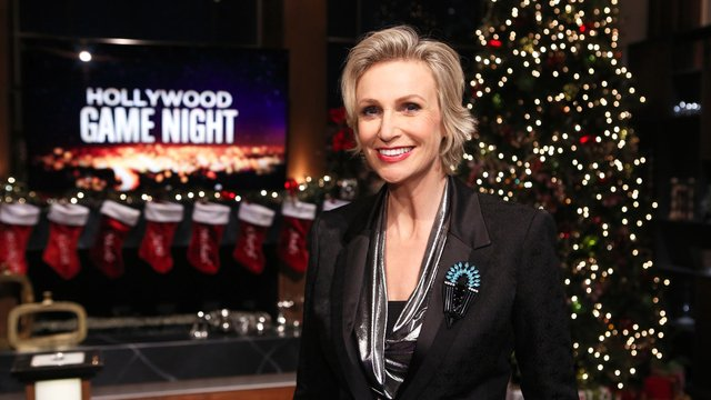 Sneak Peek: Hollywood Game Night, Holiday Edition