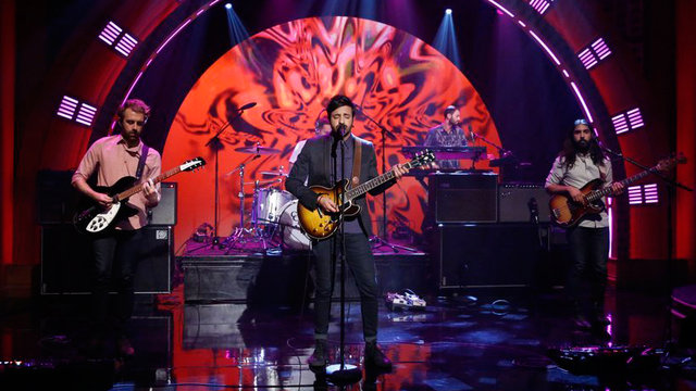"""Young the Giant Performance: """"Mind Over Matter"""""""