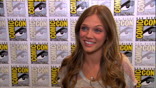 Comic-Con Interview: Tracy Spiridakos