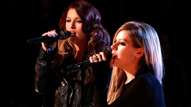 "Cassadee Pope and Avril Lavigne: ""I'm with You"""