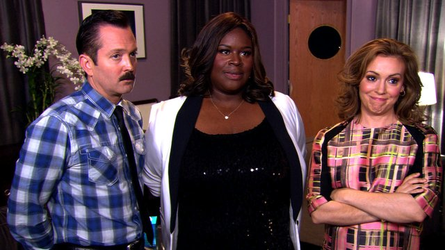 Tom, Alyssa and Retta Get Their Game On