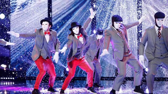 Cheryl & Joe Join the Jabbawockeez