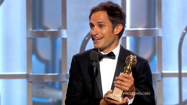 Gael García Bernal Wins Best Actor in a TV Series, Comedy