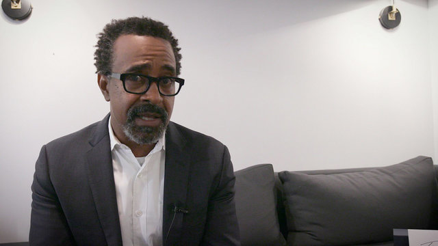 20 Second Rants with Tim Meadows: Pillows on Airplanes, Linking on Social Media