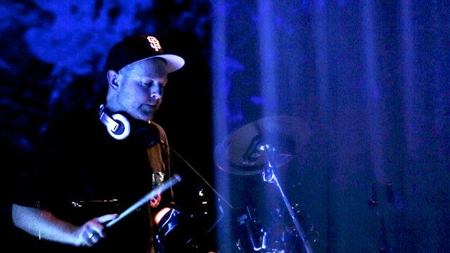 """DJ Shadow: """"Six Days (Machinedrum Remix)"""""""