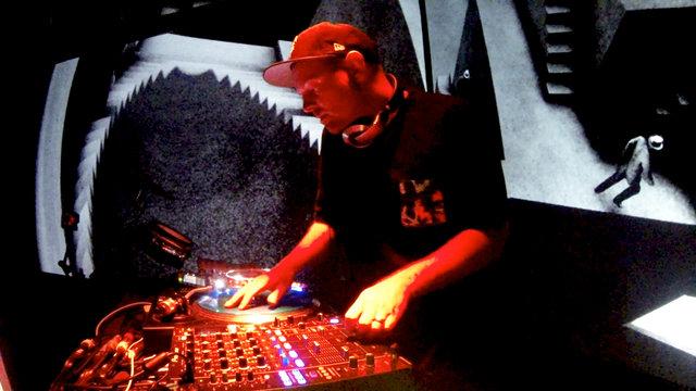 "DJ Shadow: ""Stem/Long Stem (Clams Casino Remix)"""