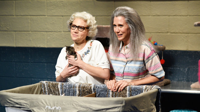 Whiskers R We with Kristen Wiig