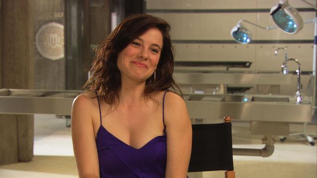 Caroline Dhavernas Interview