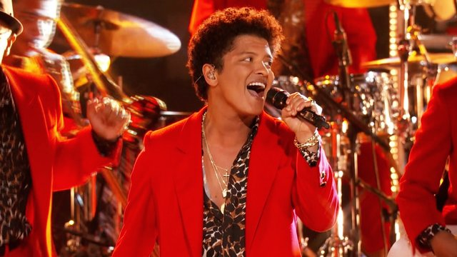 "Bruno Mars: ""Treasure"""