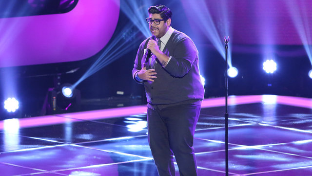 """Daniel Rosa's Blind Audition: """"Somebody That I Used to Know"""""""