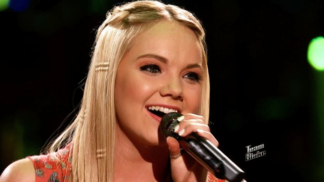 "Danielle Bradbery: ""Heads Carolina, Tails California"""