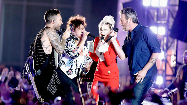 "Miley Cyrus, Alicia Keys, Adam Levine and Blake Shelton: ""Dream On"""