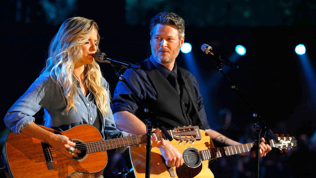 "Lauren Duski and Blake Shelton: ""There's a Tear in My Beer"""