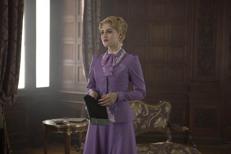 Pictured: (l-r) Katie McGrath as Lucy Westenra -- (Photo by: David Lukacs/NBC)