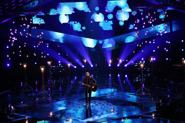 """THE VOICE -- """"Live Show"""" Episode 517A -- Pictured: Cole Vosbury -- (Photo by: Tyler Golden/NBC)"""