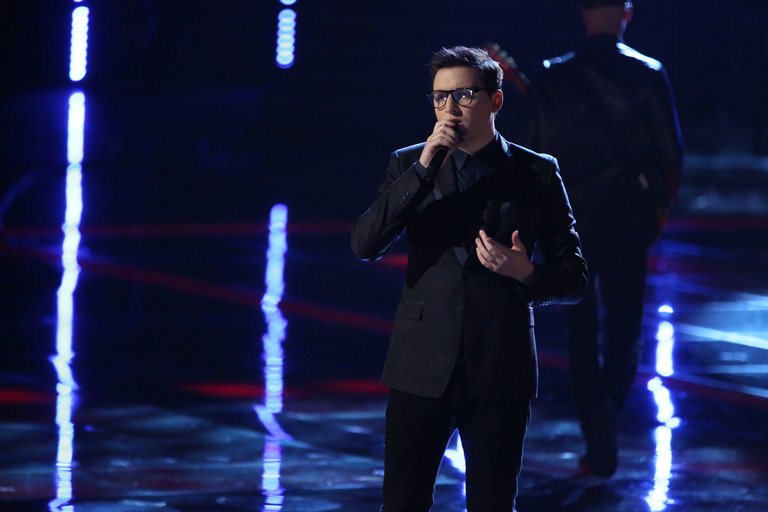 "THE VOICE -- ""Live Show"" Episode 517A -- Pictured: James Wolpert -- (Photo by: Tyler Golden/NBC)"