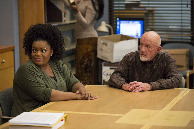 "COMMUNITY -- ""Basic Sandwich"" -- Pictured: (l-r) Yvette Nicole Brown as Shirley Bennett, Jonathan Banks as Professor Hickey -- (Photo by: Justin Lubin/NBC)"