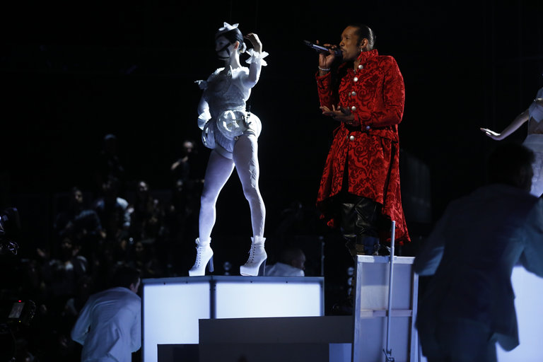 """THE VOICE -- """"Live Show"""" Episode 516B -- Pictured: Big Gipp -- (Photo by: Trae Patton/NBC)"""