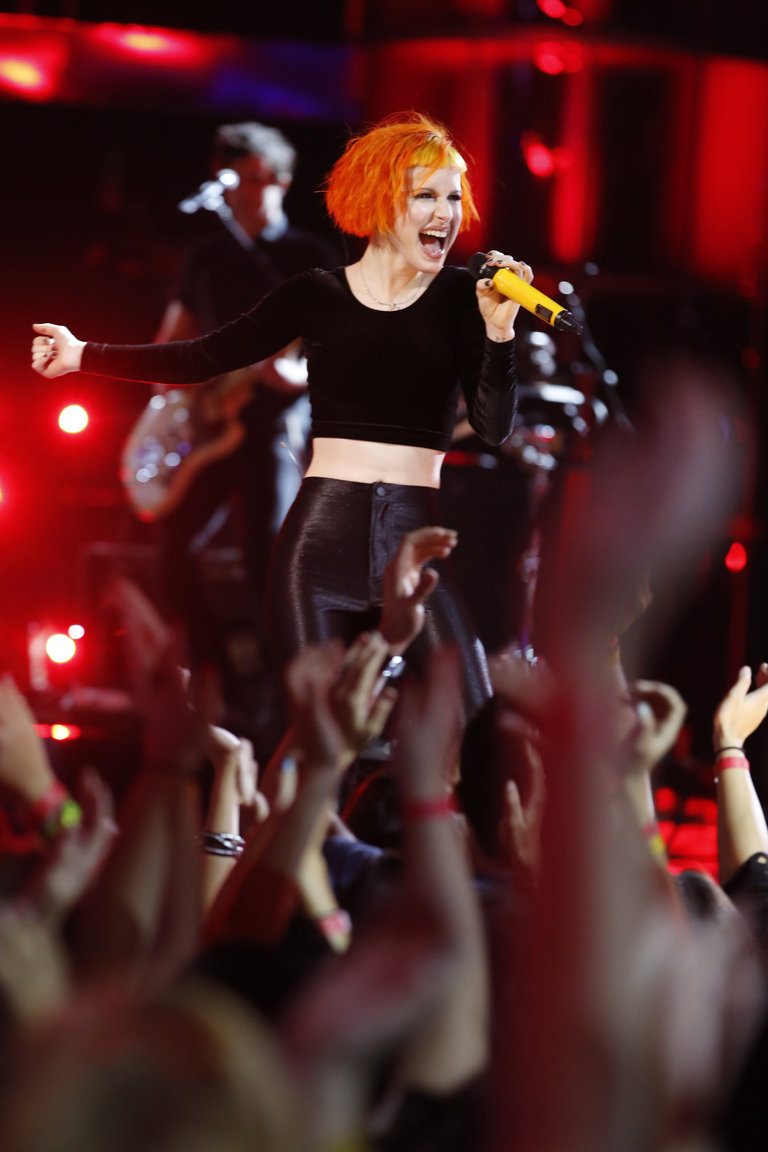 "THE VOICE -- ""Live Finale"" Episode 519B -- Pictured: Paramore  -- (Photo by: Trae Patton/NBC)"