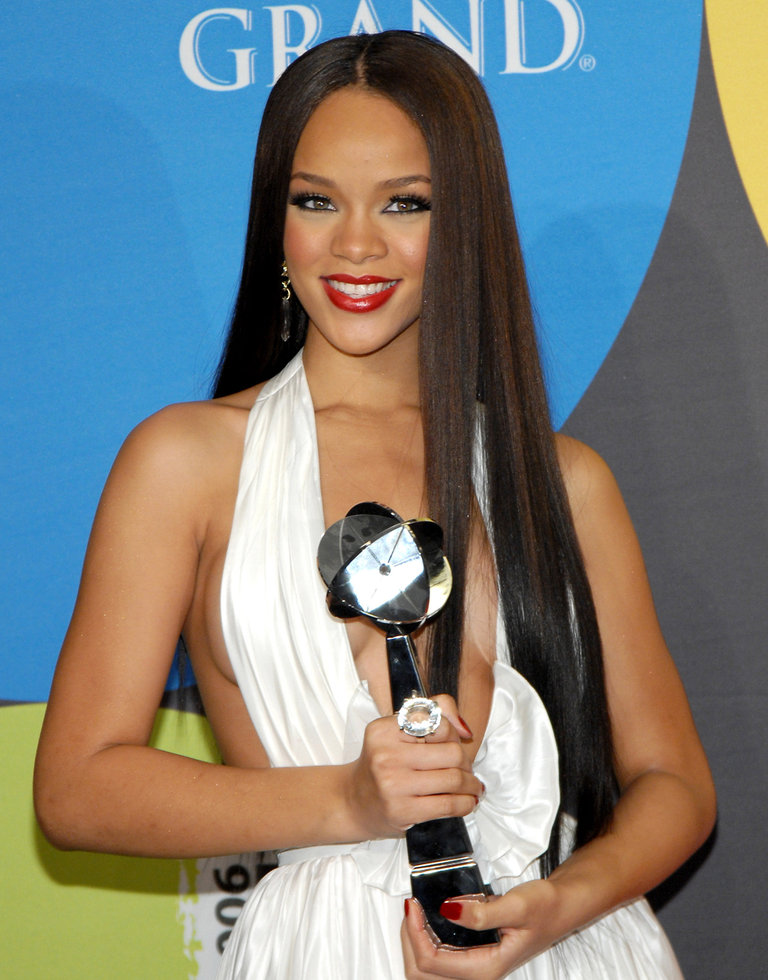 2006 Billboard Music Awards - Press Room