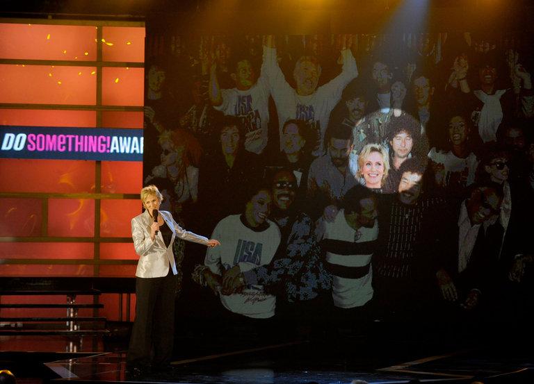 2010 VH1 Do Something Awards - Show