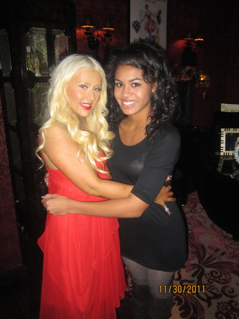 Christina Aguilera! Isn't she gorgeous? I can't believe I have a pic with her!