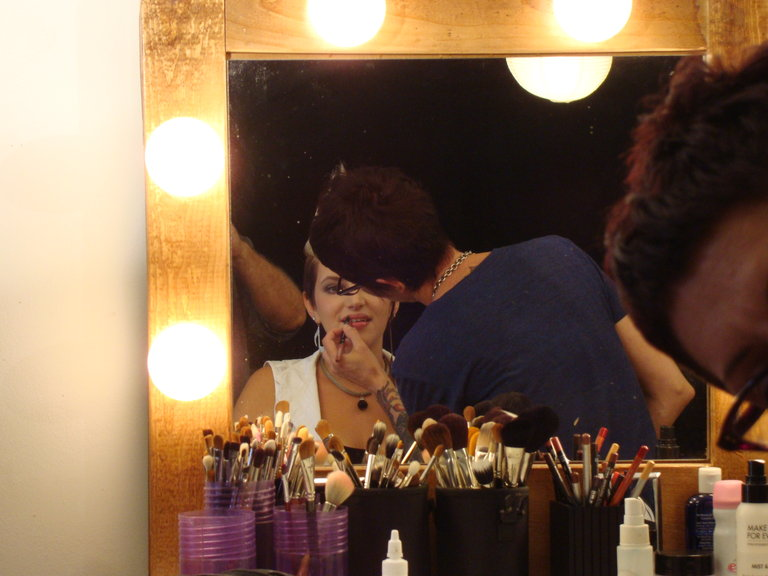 Gettin' all dolled up for the cameras!