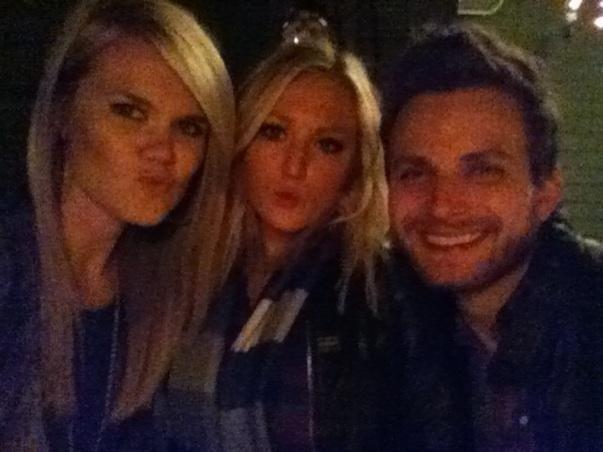 HAiLEY, BRiAN, NiCOLLE