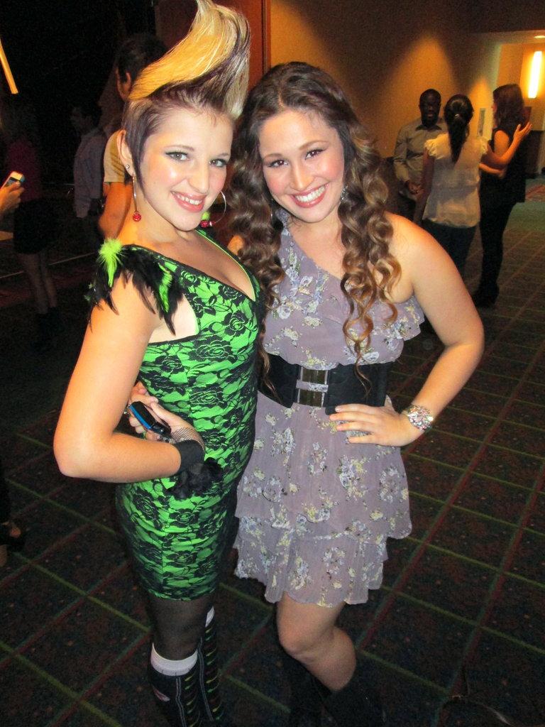 Nicole & Michaela