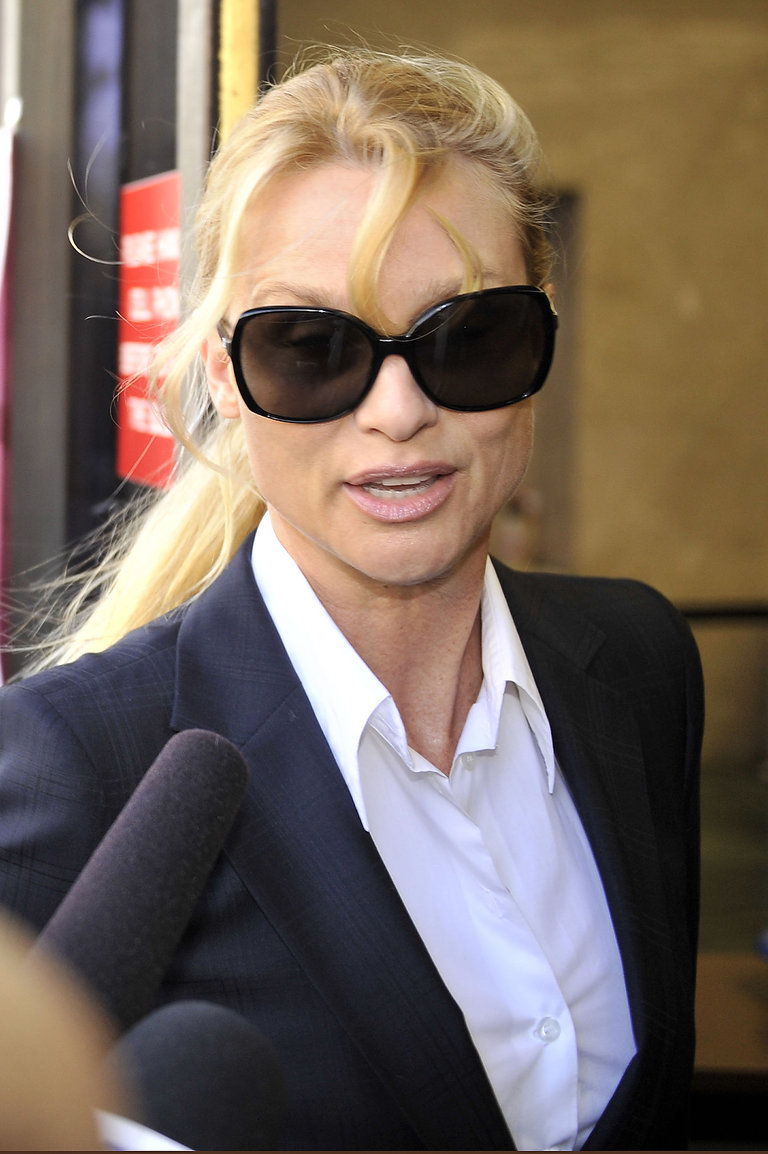 "Nicollette Sheridan Makes Court Appearance For ""Desperate Housewives"" Lawsuit"